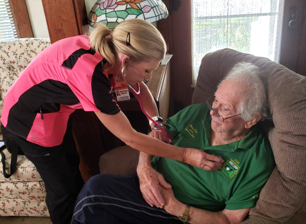 In-Home Health Care Services: Metro Detroit | National Home Care - image-content-private-duty-nurse